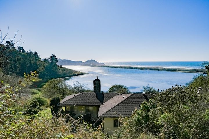 1207 Old State Road, Orick, CA 95555