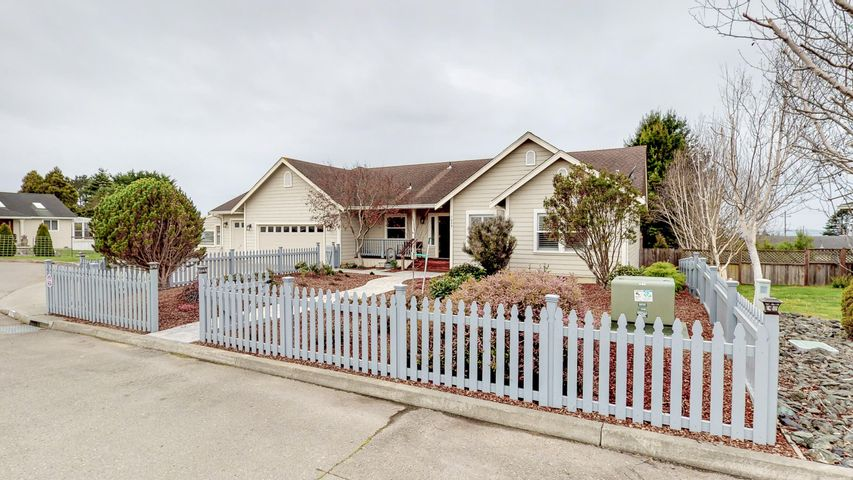1629 Kristin Way, McKinleyville, CA 95519
