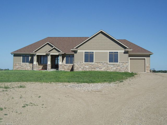 2476 Custer Ave SE, Huron, SD 57350