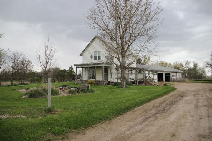 39338 206th St, Wolsey, SD 57384