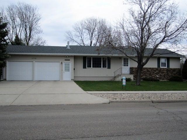 1770 Lawnridge St SE, Huron, SD 57350