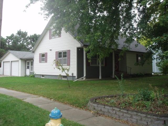 1004 Michigan St SW, Huron, SD 57350