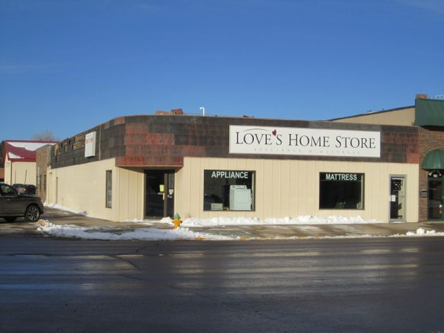 179 3rd St SW, Huron, SD 57350