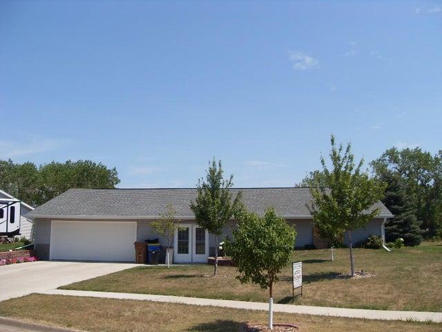 2374 Illinois Ave SW, Huron, SD 57350