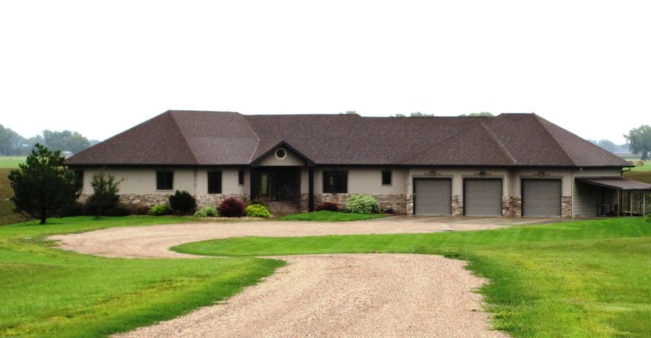 355 45th St SE, Huron, SD 57350