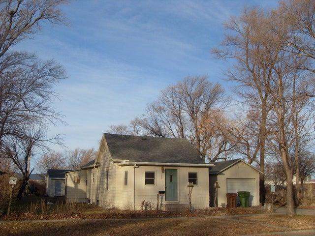 153 Montana Ave SW, Huron, SD 57350
