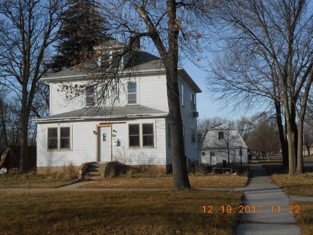 1207 Idaho Ave. SE, Huron, SD 57350