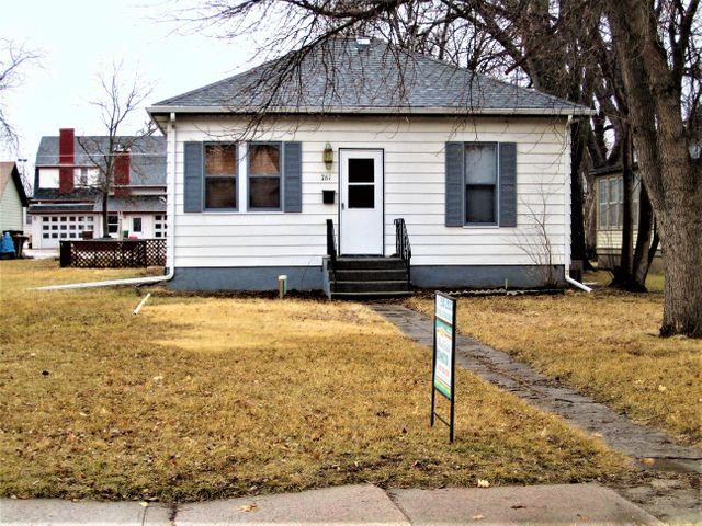 761 Wisconsin Ave SW, Huron, SD 57350