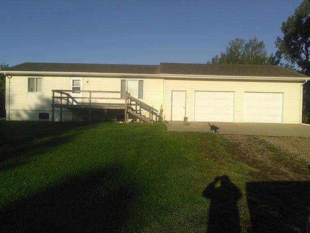 311 Ottowa St S, Iroquois, SD 57353