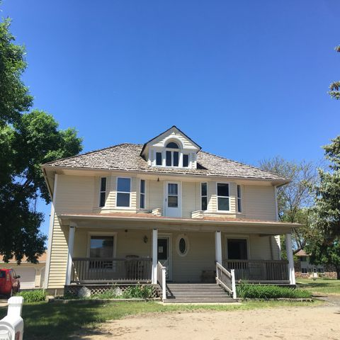 1105 Minnesota Ave SW, Huron, SD 57350