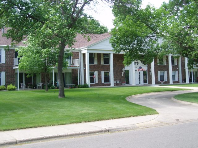 1601 Ohio Ave, 102, Huron, SD 57350