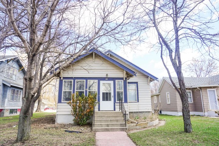 972 Dakota Ave S, Huron, SD 57350