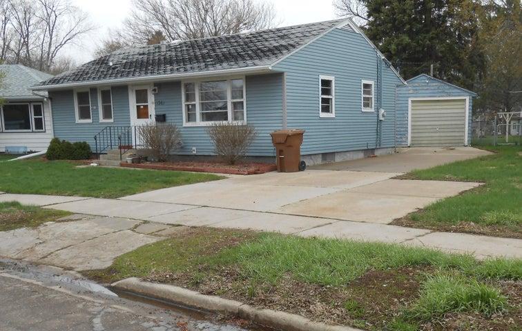 1361 Utah Ave SE, Huron, SD 57350