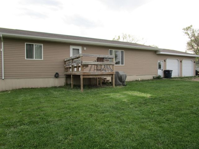133 N. Ottowa St, Iroquois, SD 57353