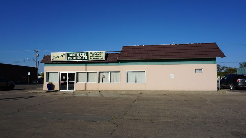 175 Dakota Ave S, Huron, SD 57350