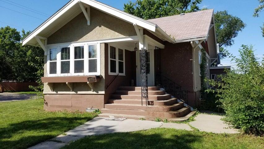 865 Colorado Ave SW, Huron, SD 57350