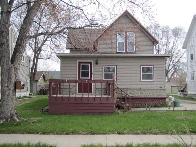 218 Nebraska Ave SW, Huron, SD 57350