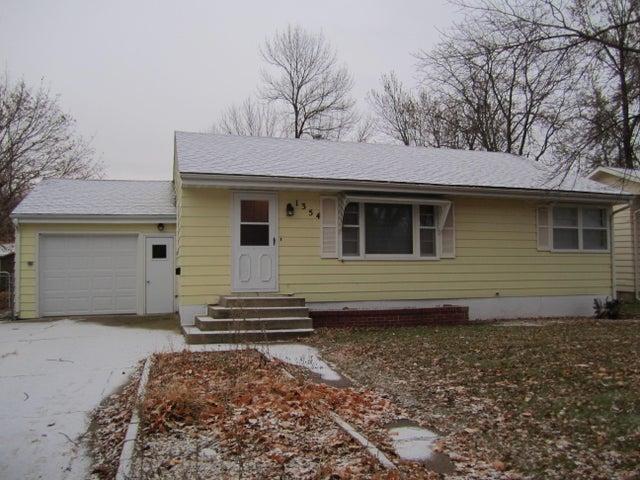 1354 Iowa Ave SE, Huron, SD 57350