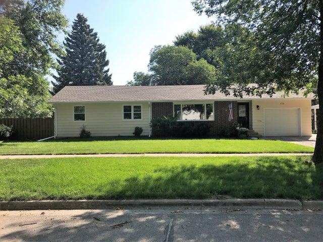1720 Illinois Ave SW, Huron, SD 57350