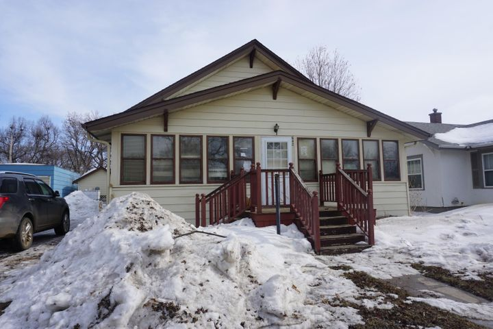 642 Dakota Ave N, Huron, SD 57350
