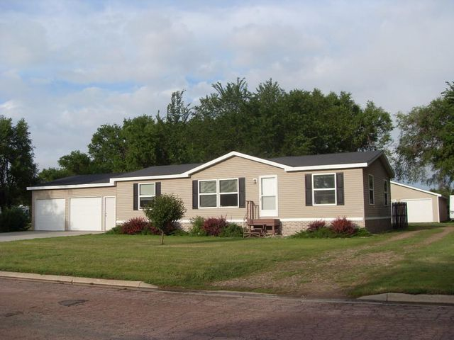 52 Pennington Ave NW, Huron, SD 57350