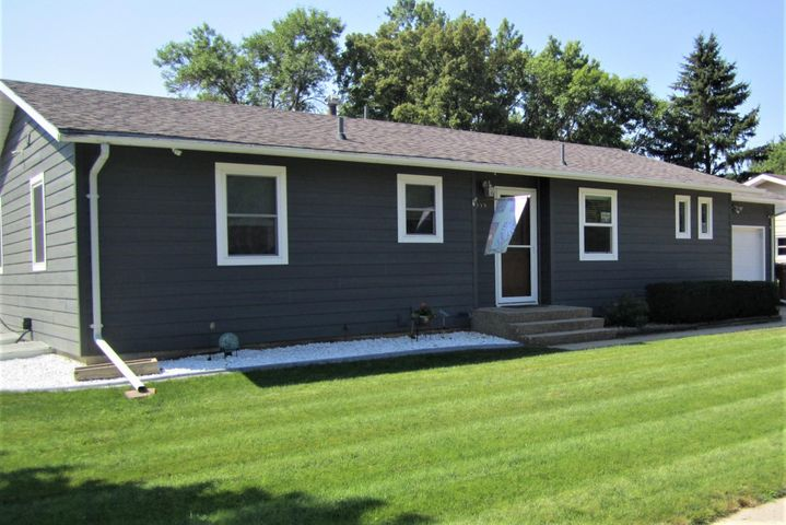 222 19th St SW, Huron, SD 57350