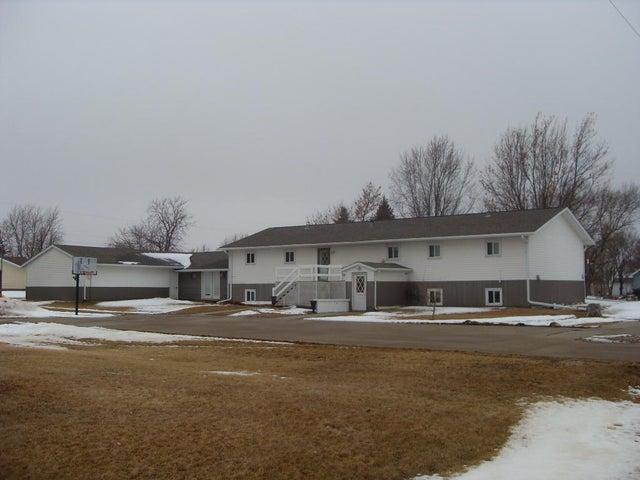 200 S Creek St, Iroquois, SD 57353