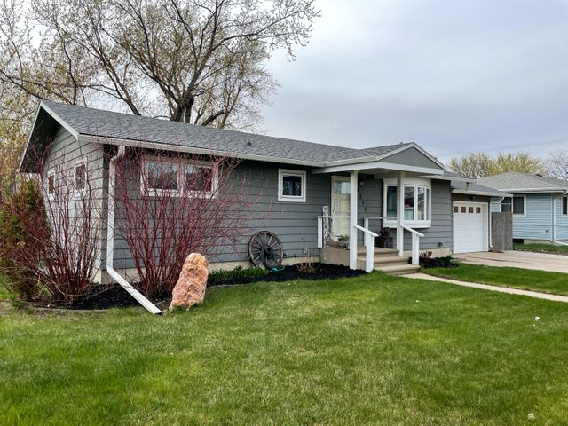 2211 Wisconsin Ave SW, Huron, SD 57350