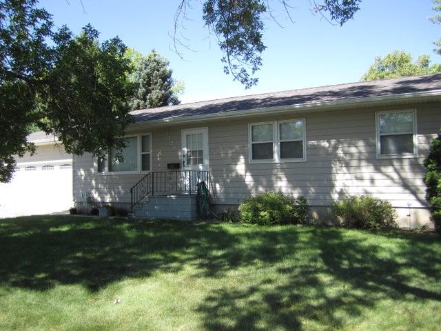 1725 Frank Ave SE, Huron, SD 57350
