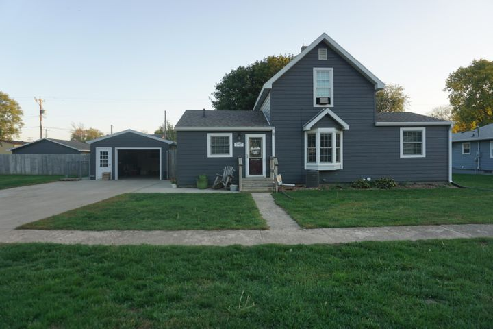 240 Admiral St SE, Wolsey, SD 57384