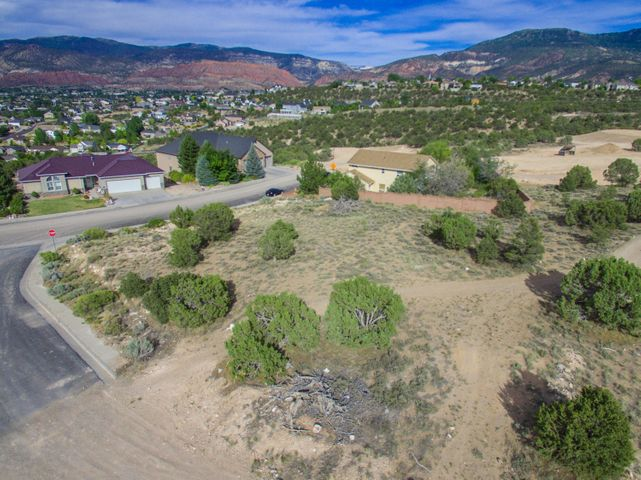 110 S Beacon DR, Cedar City, UT 84720