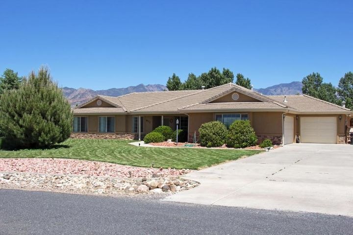 872 N Dammeron Valley Drive W, Dammeron Valley, UT 84783