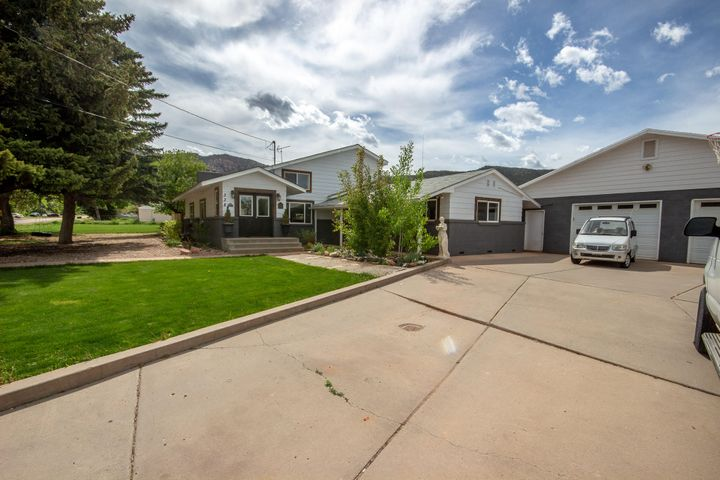 338 E Center ST, Paragonah, UT 84760