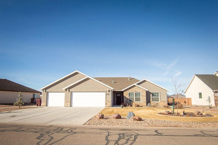 3807 N Native Dancer Dr, Cedar City UT 84721