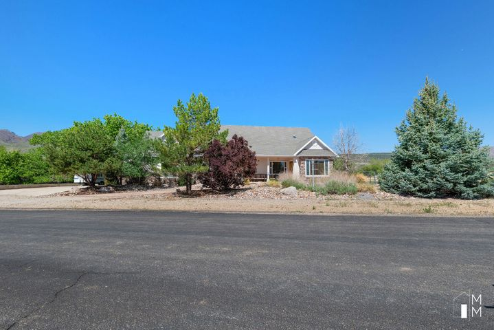 171 N Main, New Harmony UT 84757