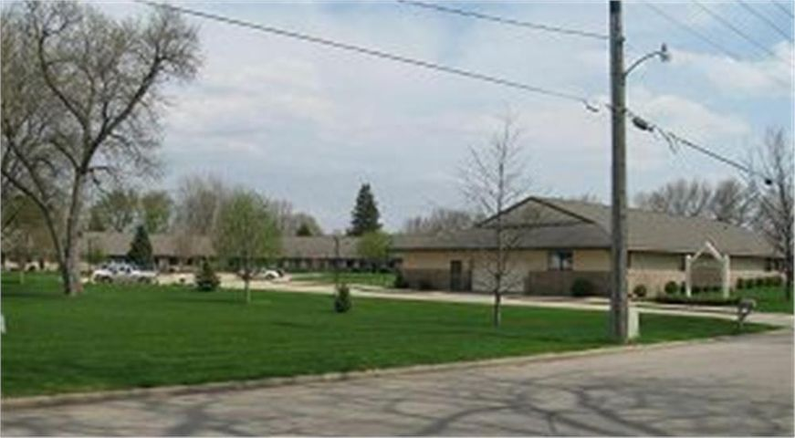 108 N 18th St, #122, Estherville, IA 51334