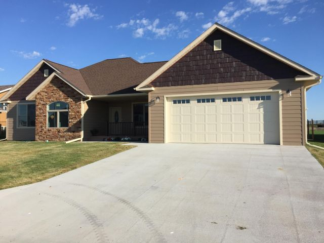 448 13th Street NW, Valley City, ND 58072