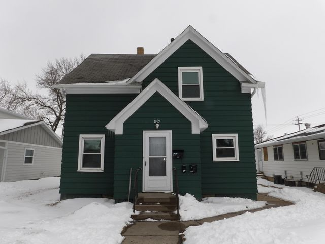 849 4th St SW, Valley City, ND 58072