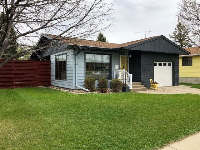 545 8th Avenue SW, Valley City, ND 58072
