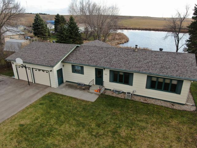 1020 10th Street SE, Valley City, ND 58072