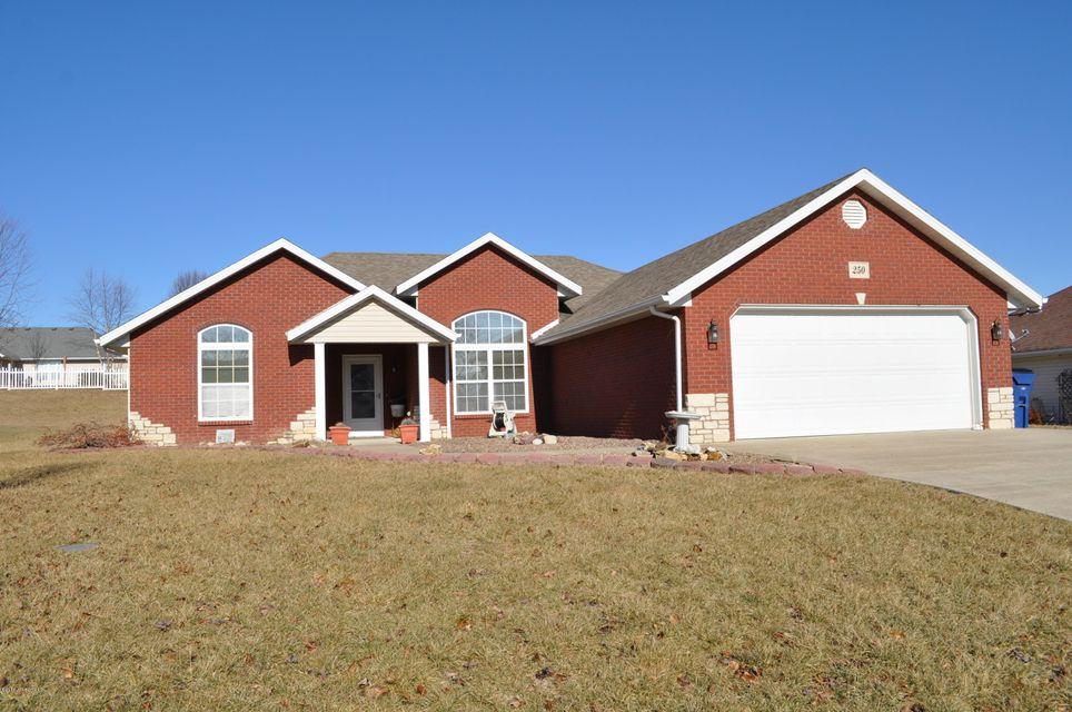 Photo of 250 CREST AVENUE Holts Summit, MO 65043