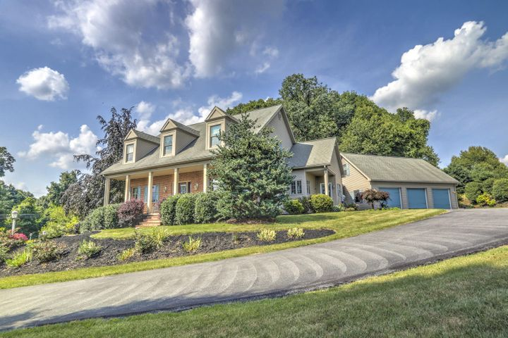 660 ORCHARD ROAD, REINHOLDS, PA 17569