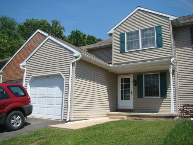 18 PARKVIEW DRIVE, REINHOLDS, PA 17569