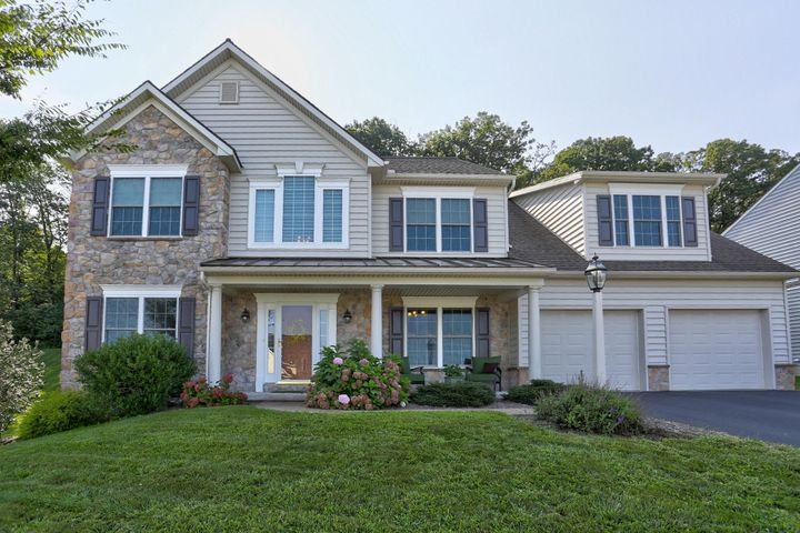 621 EAGLES VIEW, LANCASTER, PA 17601