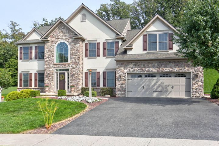 627 EAGLES VIEW, LANCASTER, PA 17601