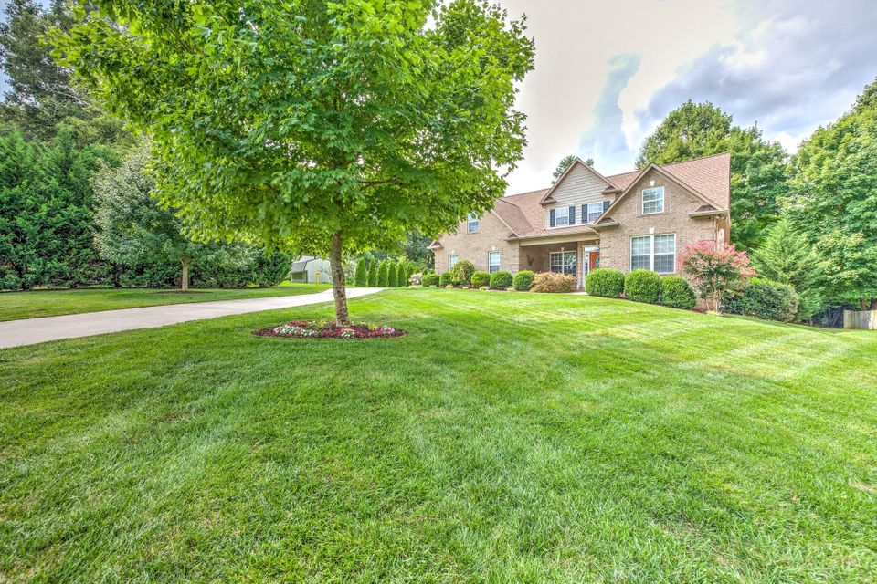 ONE OWNER,  BRICK HOME ON  BEAUTIFUL, LEVEL LOT, IRRIGATION FRONT/BACK, NEW ROOF, STUBBED  FOR CEN VAC, HRDWD FLRS! GRANITE TOPS! TILE IN WET AREAS! HUGE MASTER ON MAIN W/SEP WHIRLPOOL & WI SHWR , WI CLOSET, TWO STORY GREATROOM W/ GAS LOG FIREPLACE, OPENS TO KITCHEN!   LARGE GRANITE TOP ISLAND, TILE FLOORS, BLT-IN DESK, STAINLESS APPLAINCES, DINING RM, LARGE, SEPARATE OFFICE W/FRENCH DOOR ENTRY OR COULD BE BEDROOM IF YOU ADD CLOSET, UPSTAIRS -2 MORE BEDROOMS EACH WITH ON-SUITE & WIC,  BONUS ROOM, WORK SPACE AREA OFF CATWALK WITH BUILT IN DESK - GREAT SPOT FOR KIDS TO DO HOMEWORK OR VIDEO GAMES!   LOADS OF WALK-IN ATTIC STORAGE,! LOADS OF CROWN & WIDE BASBOARDS, OVERSIZED DECK, LOT BACKS UP TO GREEN SPACE PER SELLER, BUILT IN CABINETS IN GARAGE.  EXTRA PARKING PAD, LEVEL DRIVEWAY, SEC SYS,
