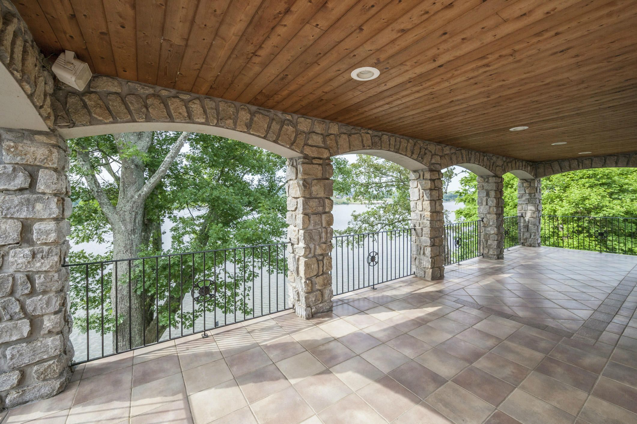 upper level porch