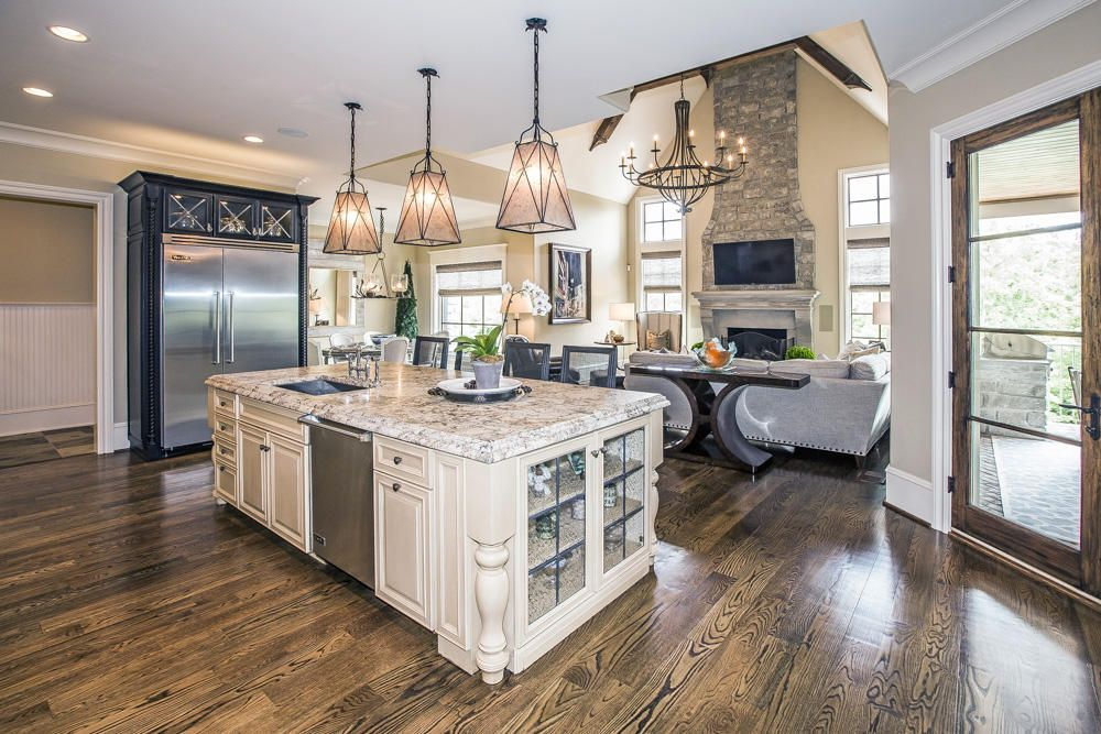 kitchen island view to family rm