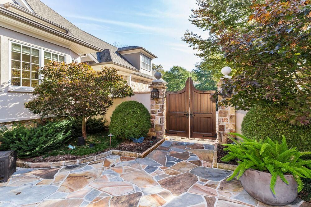 entry to outdoor living space