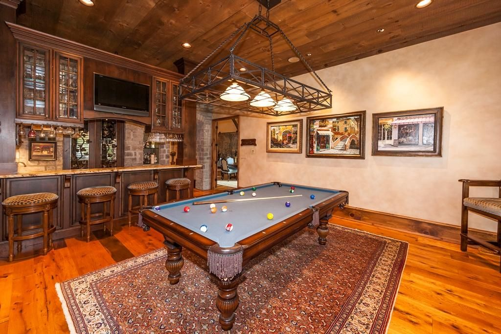 billiard room & wine cellar